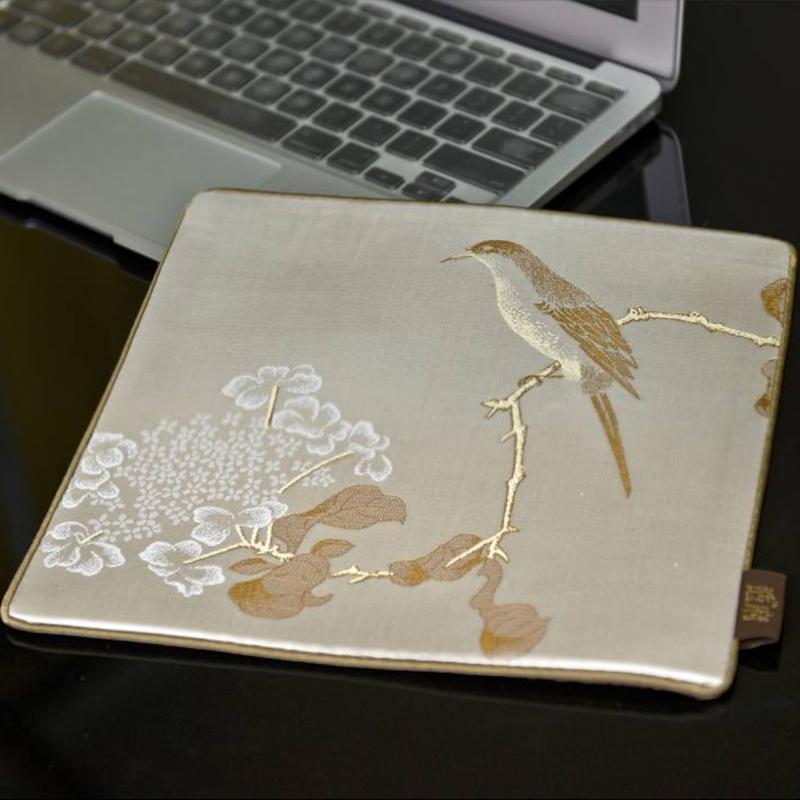 http://mllipin.com/琼花翠禽图 丝绸鼠标垫  中国风礼品 送老外礼品 政府外事礼品