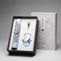http://mllipin.com/凤凰八宝三件套 无线鼠标、锌合金8GU盘、丝绸鼠标垫
