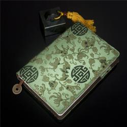 http://mllipin.com/丝绸福寿双全本册24K  中国文化礼品 送老外礼品 出国礼品 生日礼品