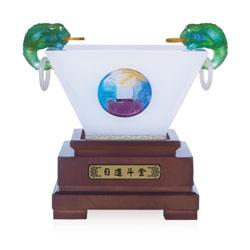 http://mllipin.com/日进斗金玻璃摆件高档商务礼品周年庆典活动纪念礼品公司