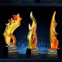 http://mllipin.com/琉璃颁奖礼品年会纪念礼品玻璃奖杯
